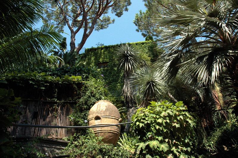 Scorcio dei giardini la mortella disegnati da russel page e realizzati da susana walton - Giardino la mortella ...